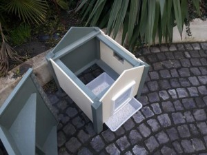 Outdoor Beach Style Cat Litter House